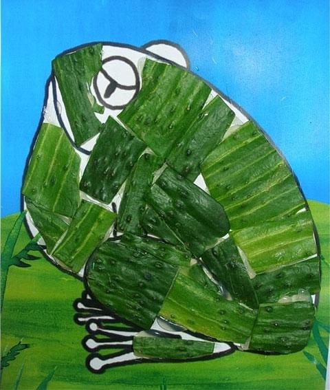 幼儿园大班美术教案:池塘里的青蛙