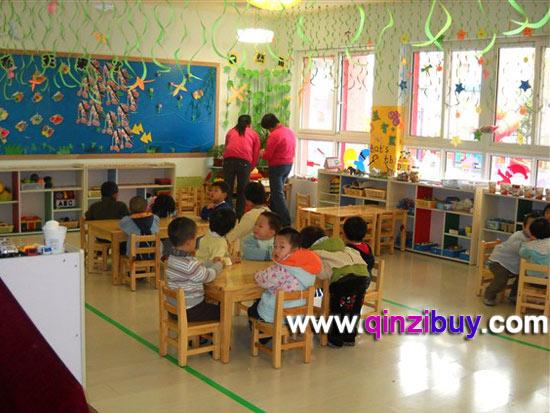春天环境:春天的教室—幼儿园环境布置图片