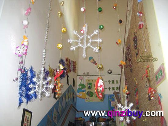 圣诞节环境布置_幼儿园圣诞节环境布置:楼梯—