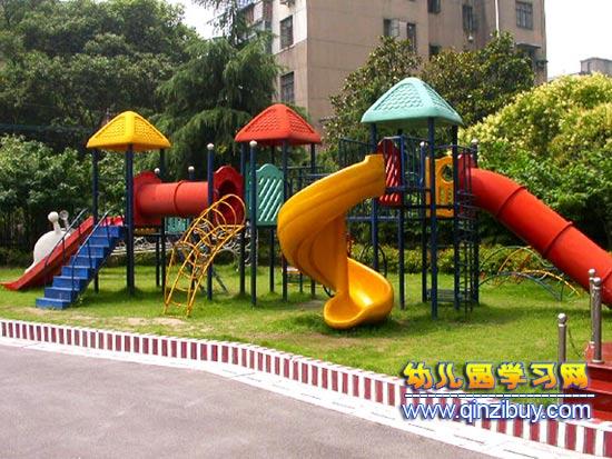 幼儿园大型玩具布置3—幼儿园环境布置图片
