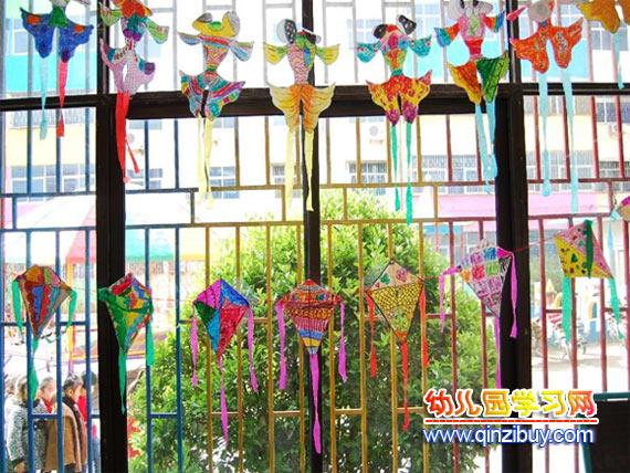 幼儿园吊饰布置:风筝—幼儿园环境布置图片