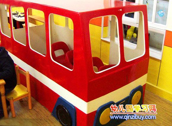 幼儿园区域环境布置:公交车—幼儿园环境布置图片