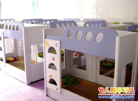 幼儿园生活环境布置:午睡室3