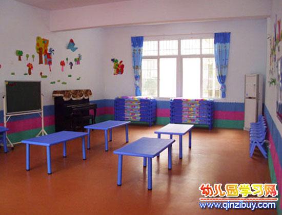 蓝色风格(幼儿园教室环境布置)