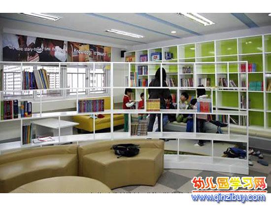 幼儿园区角环境布置:图书室1—幼儿园环境布置图片