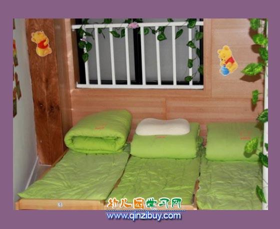 幼儿午睡室_幼儿园环境创设图片6—幼儿园环境布置图