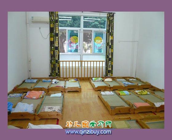 儿童午睡室_幼儿园区角环境布置图片2