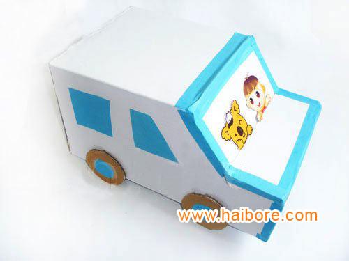 幼儿园环保手工:纸盒小汽车图片